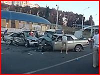死亡事故の瞬間と壮絶なその事故現場の様子。GAZvsAudi。1名死亡3負傷