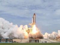 STS-135スペースシャトル最後の打ち上げ映像。30年間の歴史に幕を閉じる。
