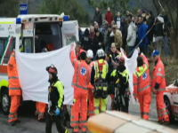 現役F1ドライバーのロバート・クビサがラリーで大クラッシュし重傷を負う。