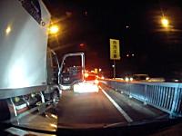 千葉県。トラックドライバーが悪者になってるけどうp主も悪いと思うドラレコ。