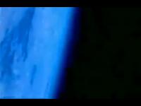 上空30km成層圏からダイビングした男の記録 地球が丸く見えるってw