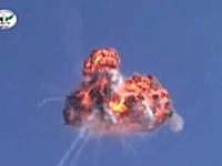 シリアの反政府軍が最新式の携帯式地対空ミサイルで政府軍のヘリを撃墜