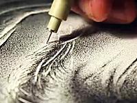 根気の作業テンテン動画。ペン先で320万回テンテンやって描き上げた作品
