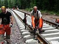 テルミット法。線路のレールを溶接するのはこんなにも大変。お仕事拝見動画