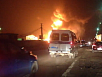 先月紹介したLPGタンクローリー爆発事故をより近くから撮影したビデオ。ロシア