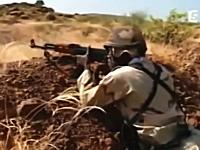 マリ軍の軍事訓練ワロタ。実弾じゃなく口でバッバッバッバッ!トゥルルルッ!
