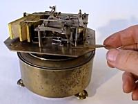 120年前に作られた機械。仕掛け笛「鳥の鳴き声」の音色が素晴らしい。