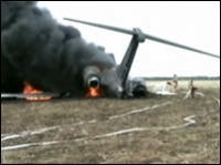 離陸滑走中に鳥を吸い込みエンジン故障→炎上する飛行機