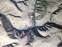 飛行中のボーイング737の機内でiPhoneマップに現在地を表示させると・・・。