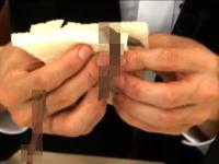 吉本興業のチャンネルがグロい。生きたミミズをサンドイッチにして食べちゃう