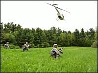 海外のサバゲーはスケールがでかい。ヘリに車両にロケットランチャーまで。