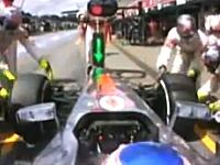 マクラーレンが最速ピットストップタイムを記録。タイヤ4本交換に2.4秒(2.31)