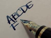 万年筆ふつくしすぎる・・・。万年筆でただ文字を書いている動画に感動。