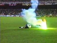 サッカー史上最も悪質な自作自演事件 キーパーのカミソリによる自傷行為がバレて永久追放