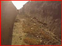 戦争ビデオ。アフガンで米軍兵士が地雷を踏んでしまう瞬間のヘルメットカム