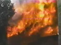 石鹸工場爆発火災 取材中のカメラとスタッフ6名が負傷するアクシデント