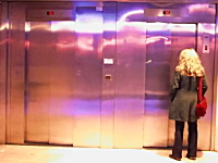 レミさんのエレベーターのイタズラが2012年版で進化してた。両方かよwww