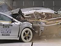 自動車の安全性能50年の進化。1959年製Chevrolet対2009年製Chevrolet