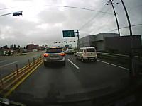 これは酷い韓国ドラレコ動画。停止中の車列にほぼノーブレーキで突っ込む