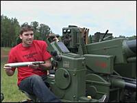戦争でもおっぱじめるつもりか?恐ろしい兵器を個人で所有するロシア人
