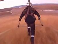 笑えない事故だけど笑ってしまった一瞬動画。I Believe I Can Fly - R. Kelly