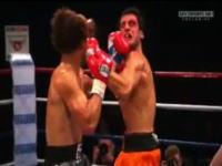 ボクシング、お互いのパンチが同時に当たる見事すぎるダブルノックダウン