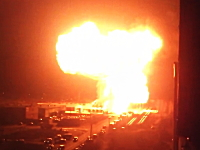 ロシアで起きたLPGタンクローリー爆発事故の映像がヤバい。音量注意