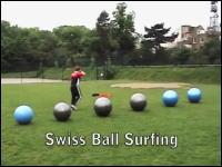 バランスボールを6個並べてその上をだーーーっとやってみた。三村ありw