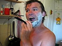 これが男の髭剃りだ☆レザー剃刀(西洋剃刀)を使うとワイルドでカッコイイ☆