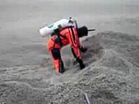 火山灰の海に潜る男。チリの火山灰がハンパない件。スクーバダイビング