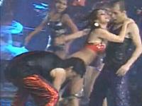 放送事故?wセクシーダンスで女性のスカートをずり下げようとしたら下着もw