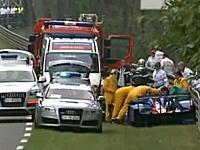 ナイジェル・マンセルが時速321kmでクラッシュ!救出され救急車で運ばれる