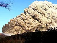 これは凄い迫力だ。先日噴火した霧島山(新燃岳)の高画質でリアルな映像