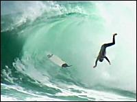 死ななくて良かったね(@_@;)サーフィンでの危険なワイプアウト映像5こ。