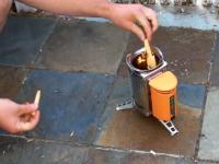 凄いアウトドア用品。焚き火で発生した熱でiPhoneに充電できる!BioLite