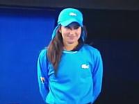 虫退治に呼ばれたボールガールが可愛くて会場がほのぼの。全豪OPテニス