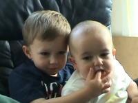 YouTubeで2億8000万回も再生されている赤ちゃんの「アーーーーウチィ」