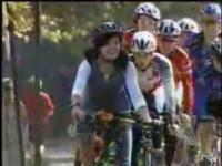 のんびり自転車に乗っていたらレースの優勝者になってしまうドッキリ