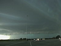 スーパーセル (気象) 局地的な集中豪雨を外側から見てみた。