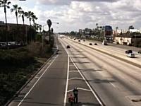 高速道路でプロポーズ大作戦を行い逮捕された新郎wwwYouTubeが証拠に。