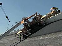 バンク角31度の路面を修理するのはやっぱり大変でした。ななめ工事動画