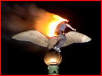 焼身自殺?橋の上で自分の体に火を付けた男が1分以上燃える(@_@;)