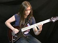14歳の少女がギターでヴァン・ヘイレンのタッピング奏法を真似た動画が高評価