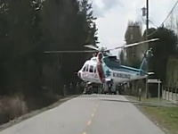 さすがに無理があったんじゃねえ?狭い場所から離陸しようとするヘリが・・・。