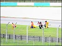 MotoGPで死亡したシモンチェリ。搬送中に担架が落とされていた事が判明。