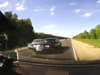 凄い速度でギリギリ正面衝突を回避したドライブレコーダーと極悪正面衝突