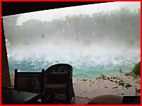 18秒から本気モード。10/25にアメリカを襲ったスーパー雹がヤバすぎる(@_@;)