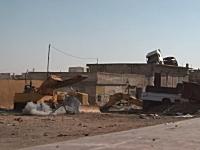 危険なシーン。シリア革命軍がミサイル発射!ミスって数メートル先に着弾。