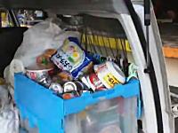 【動画】被災地ではのどかな略奪が横行。仙台港近辺の倉庫から物資を運び出す