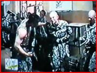 ロシア軍の新兵しごきが極悪すぎる(@_@;) これは上下関係とは言わない
